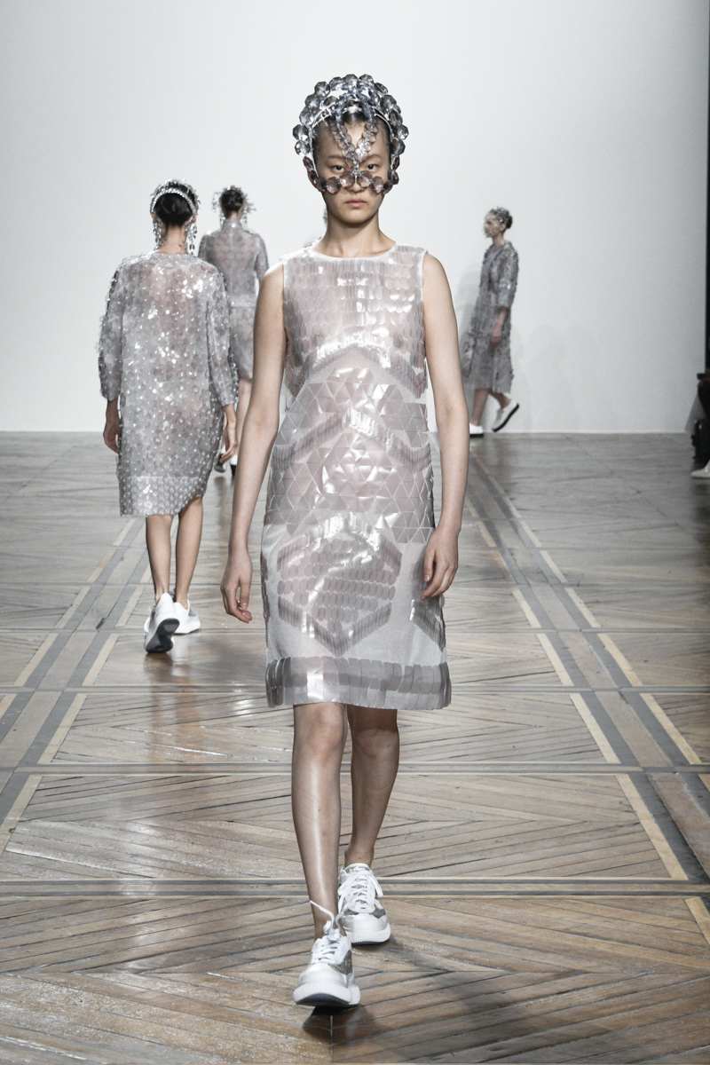 ANREALAGE 2019 S/S CLEAR SHOW LOOK PHOTO